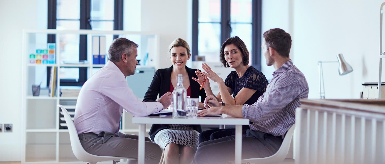 Impiegati in una riunione aziendale
