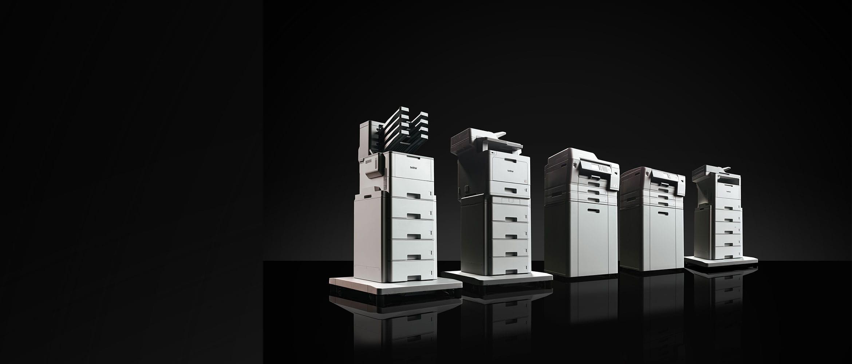 stampanti multifunzione laser e inkjet Brother su sfondo nero