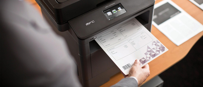 Stampante laser monocromatica Brother MFC-L5700DN per stamapre documenti con codice a barre