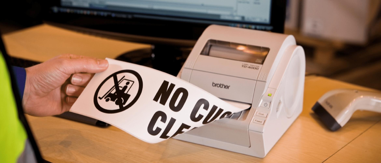 serie td per utilizzi professionali ed industriali, stampante per etichette su scrivania