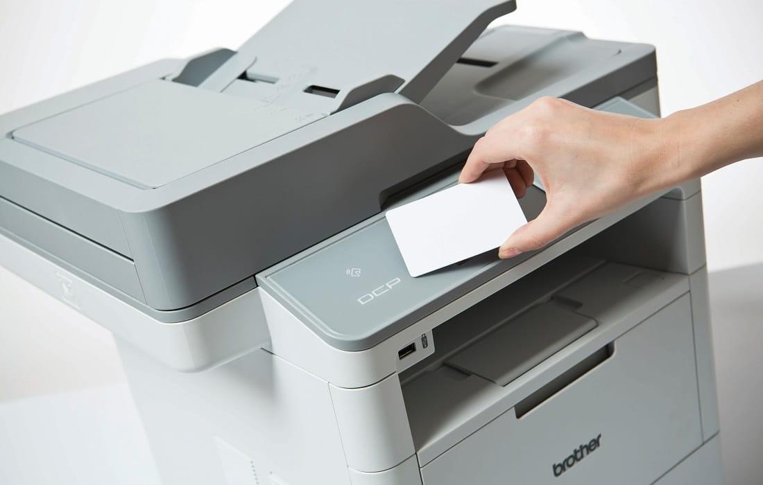 Stampa da NFC con stampante multifunzione laser monocromatica Brother DCP-L6600DW