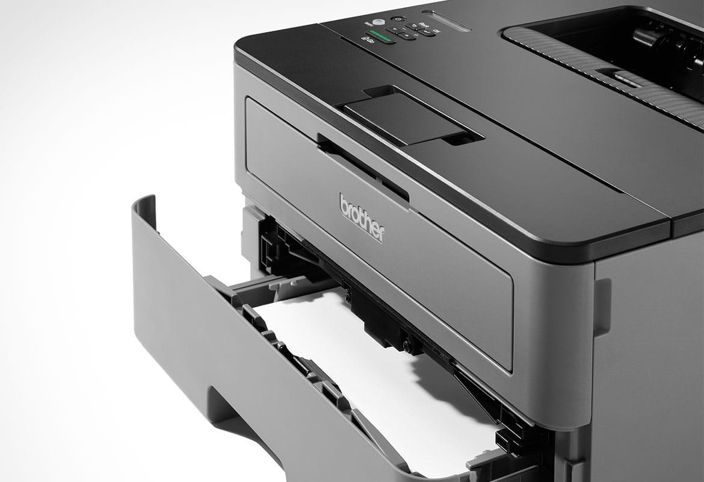 Dettaglio stampante laser Brother HL-L2350DW con vassoio carta aperto
