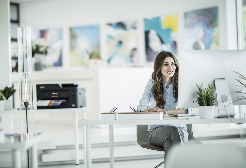 Stampante multifunzione inkjet per l'ufficio Business Smart in ambiente SOHO