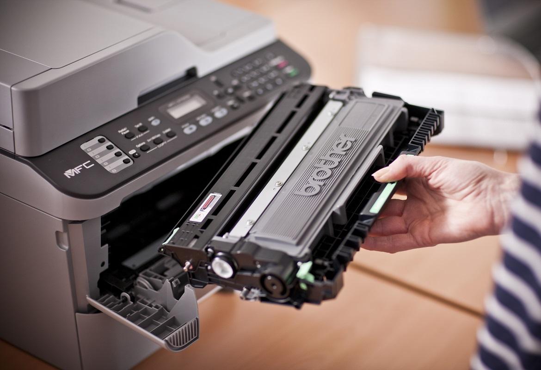 Toner della stampante multifunzione laser Brother MFC-L2700DW