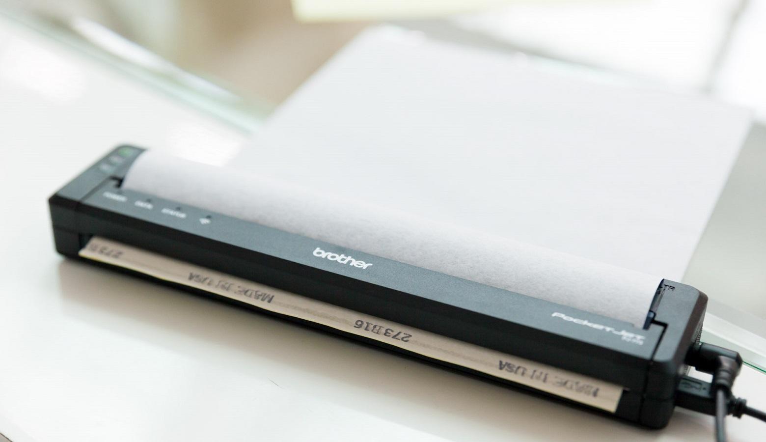 Foglio stencil stampato con la stampante portatile Brother PJ-773
