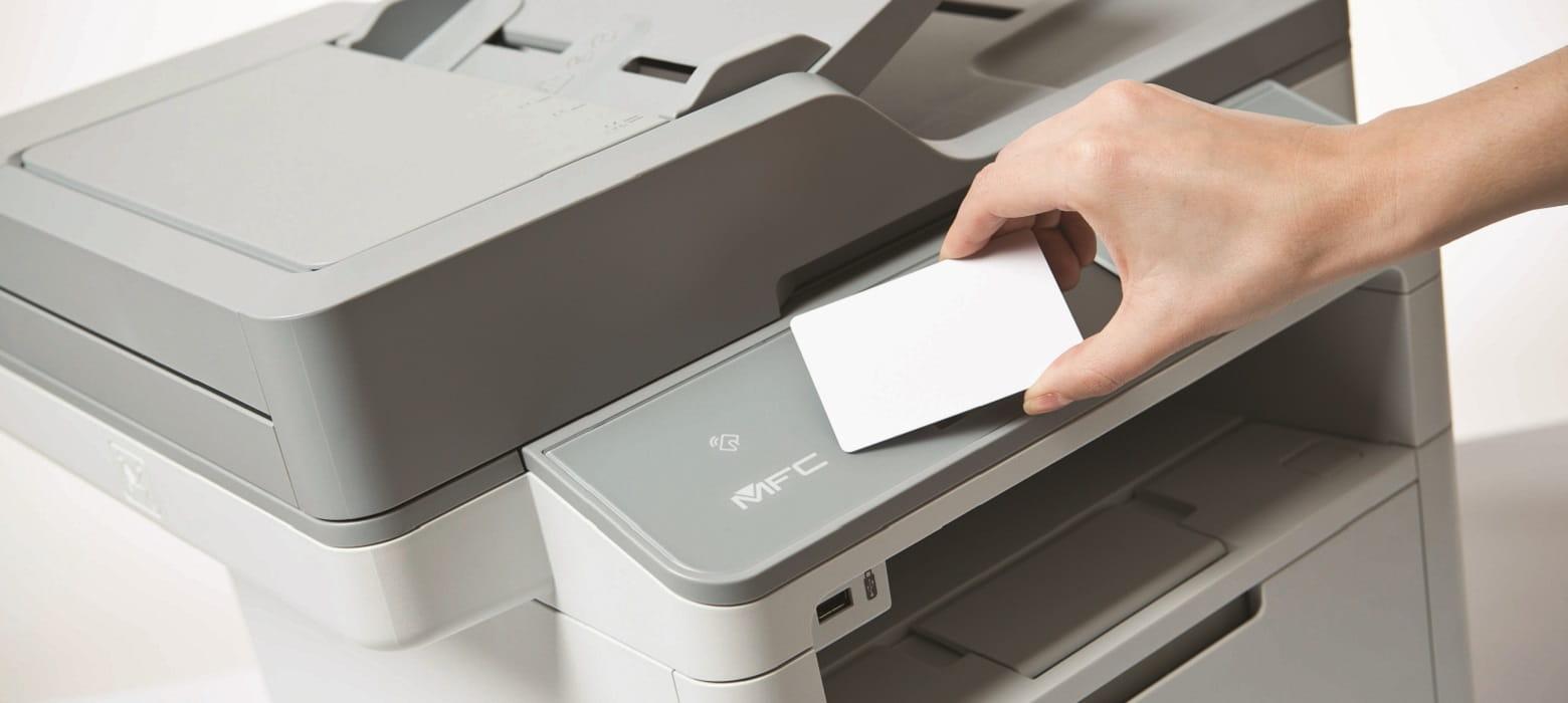 Utlizzo card NFC con stampante multifunzione laser Brother MFC-L6800DW
