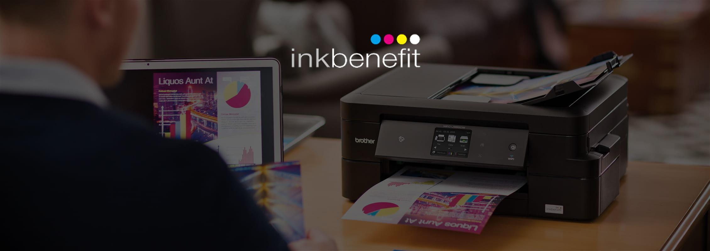 Stampante multifunzione inkjet Brother su scrivania con logo inkbenefit