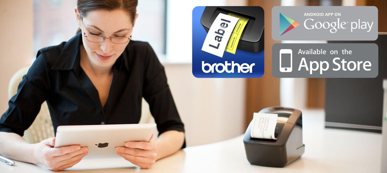 Ragazza che stampa etichette con QL-720NW tramite tablet grazie all'app Brother iPrint&Label