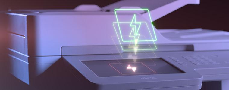 multifunzione Brother MFC-L9570CDW con icona fulmine sul display