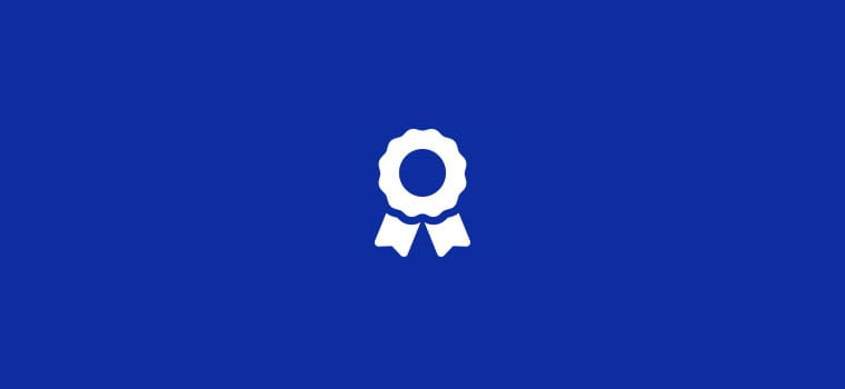 Sfondo blu con icona garanzia bianca