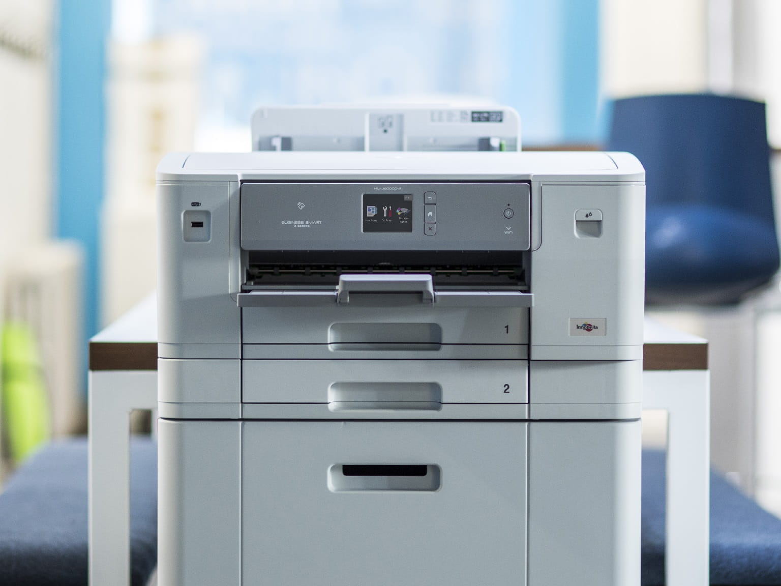 Stampante inkjet A3 Brother X Series HLJ6000DW in ufficio