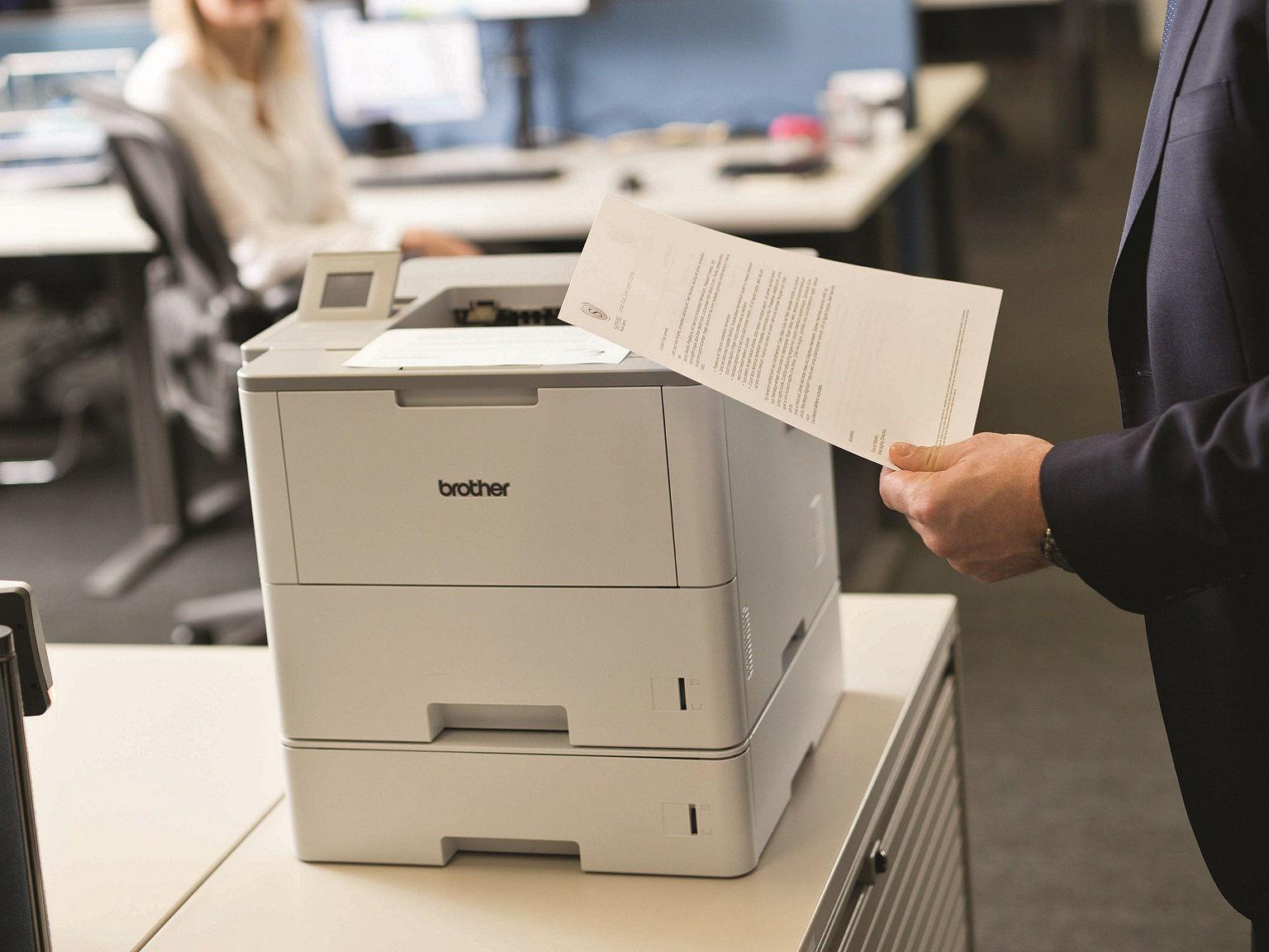Foglio stampato con stampante laser monocromatica Brother HL-L6400DWT