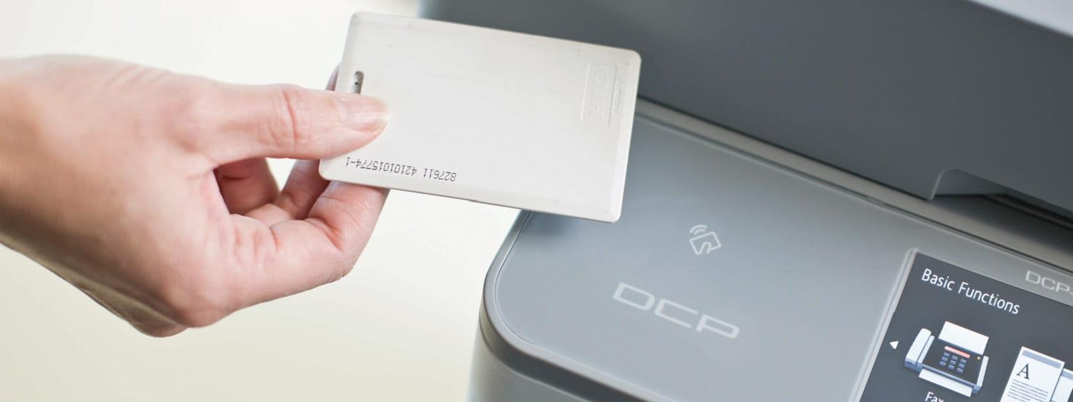 Card NFC su stampante multifunzione Brother DCP-L6600DW