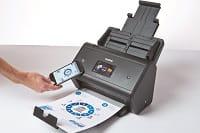 Foglio scansionato direttamete su smartphone con scanner Brother ADS3600W grazie a tecnologia NFC