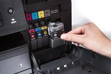Dettaglio cartucce della stampante multifunzione professionale inkjet Brother MFC-J6930DW