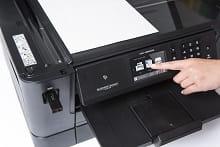 Touchscreen della stampante multifunzione professionale inkjet Brother MFC-J6930DW