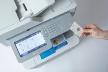 MFC-L9570CDW stampa diretta da card NFC