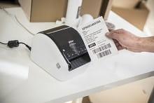 etichettatrice che stampa etichette di grande formato