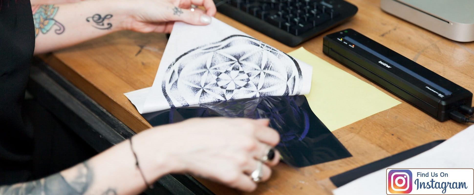 Stencil geometrico per tatuaggio stampato con Brother Stencil Machine PJ-723 con logo instagram