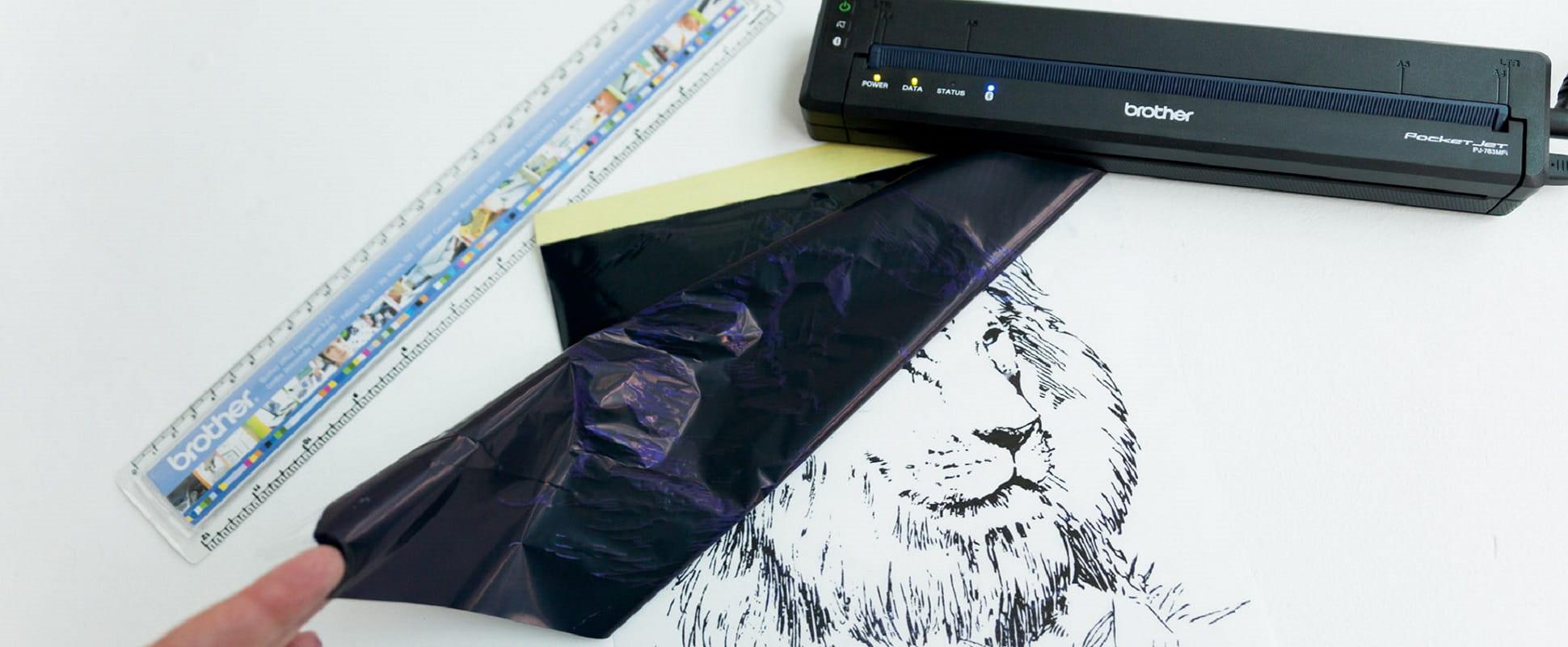 Stencil con leone stampato stampante portatile Brother gamma PJ-700