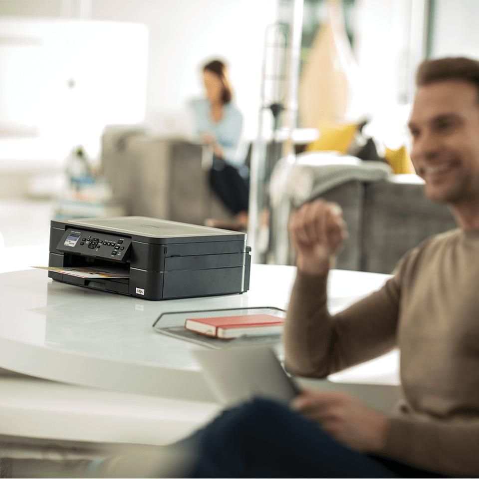 DCP-J572DW Stampante multifunzione inkjet compatta con Wi-FI 4
