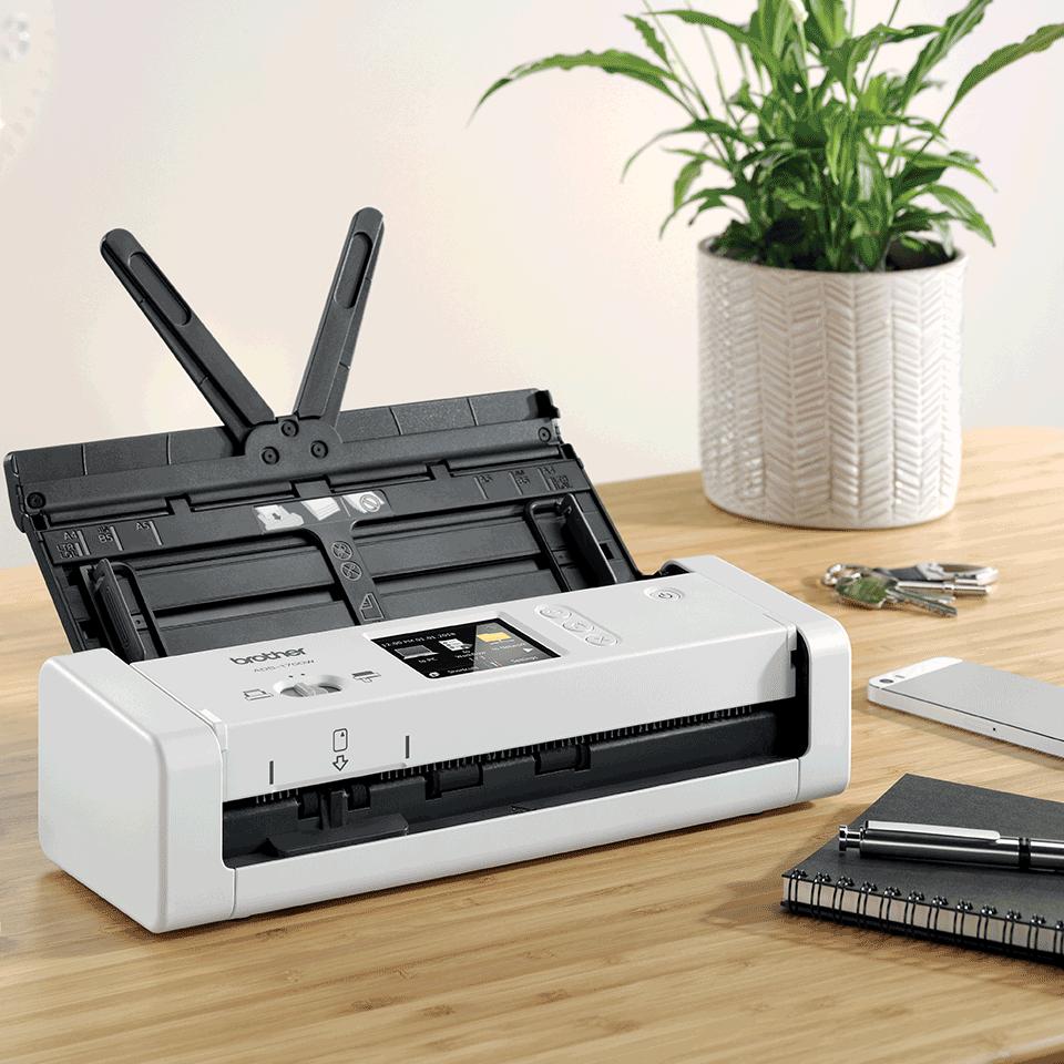 ADS-1700W Scanner desktop compatto con duplex (DUAL CIS) e Wi-Fi 6
