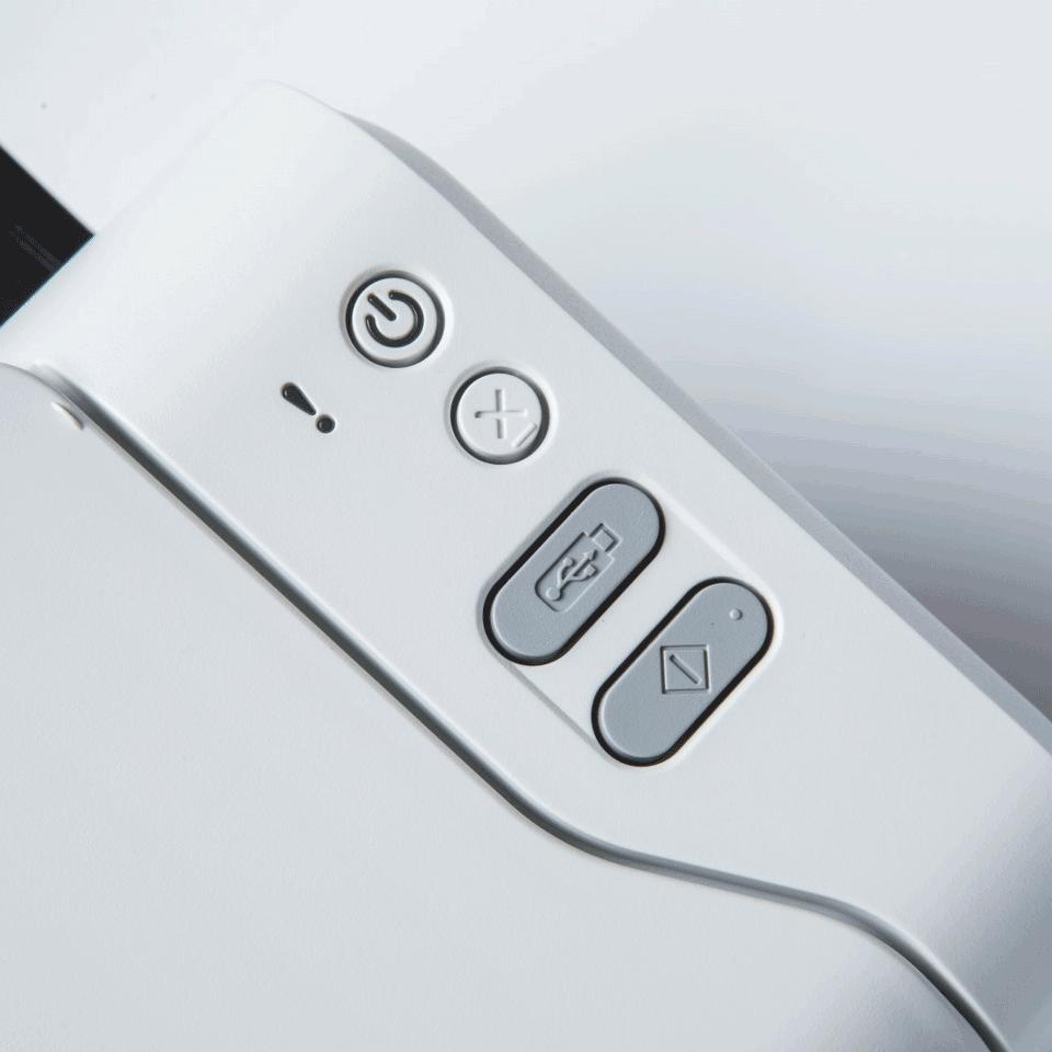 ADS-2200 Scanner documentale desktop ad alta velocità, con ADF  6