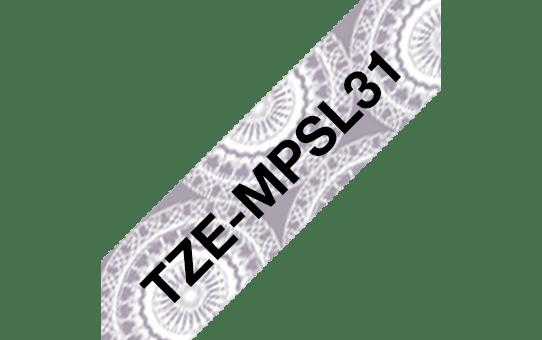 Brother TZe-MPSL31 Nastro originale - laminato, nero su motivo a merletto argento, 12 mm di larghezza 3
